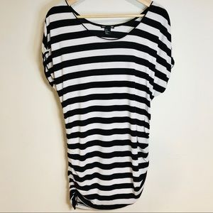 H&M Mama Black and White Striped Maternity Top